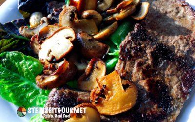 8 Minuten Paleo Rezept: Rindersteak mit Pilzen und Salat